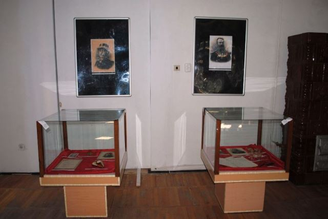 County Museum of Ethnography and Border Regiment - founded in 1962 - director Adrian Ardeţ - CARANSEBEŞ, Caraş-Severin -  - Arheologie, Etnografie