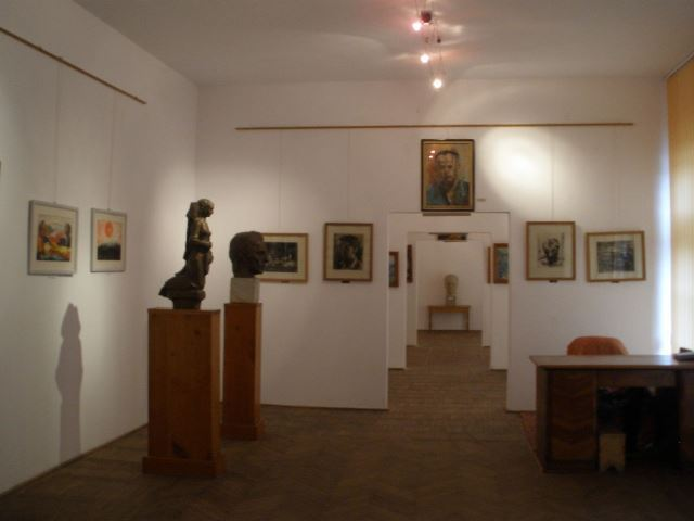 """Alexandru Bălintescu"" Fine Arts Collection - founded in 1970 - director Claudiu Aurel Tulugea - COSTEŞTI, Vâlcea - Muzeu judeţean - Artă plastică românească"